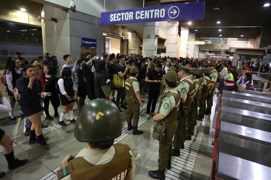 Los disturbios en Santiago de Chile continúan