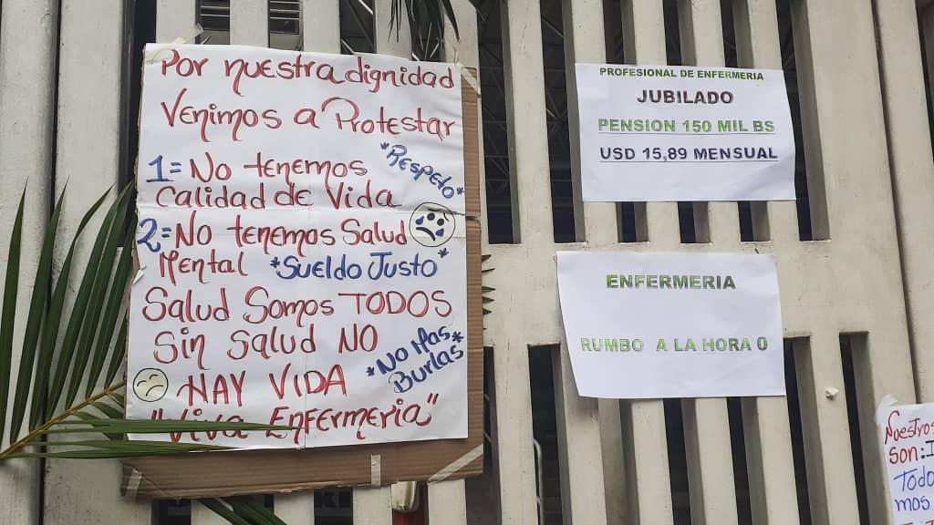 enfermeros protestan en el jm