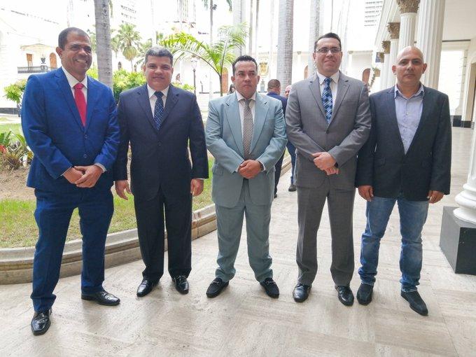 Chavismo elige a diputado Luis Parra presidente de la AN
