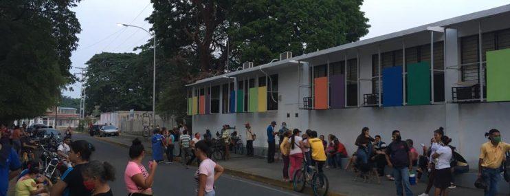 Motín se produjo por hambre en cárcel de Guanare, denuncian familiares a OVP