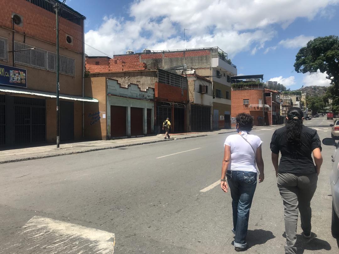 Catia con calles vacías y comercios cerrados en día de parada por la cuarentena