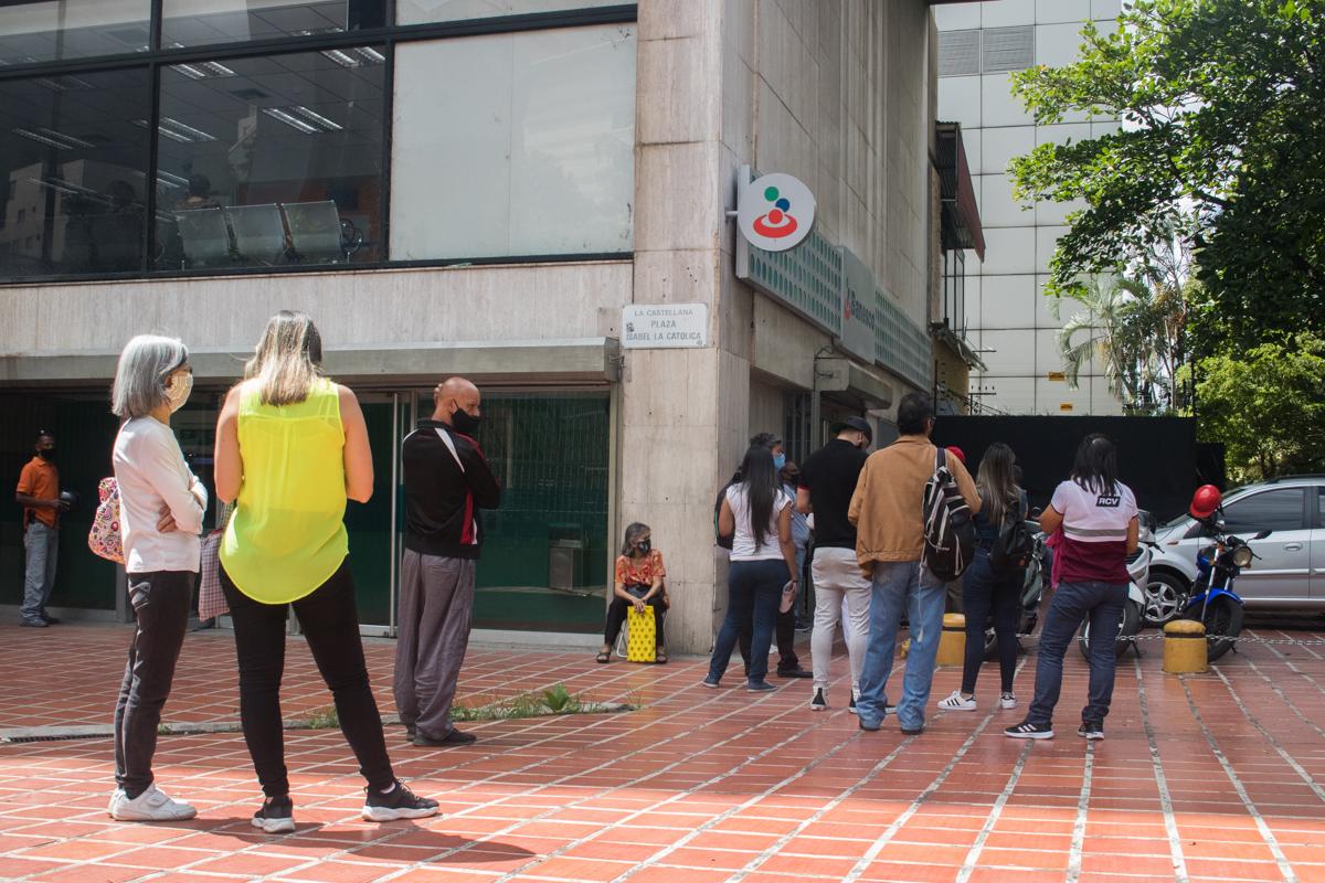 Coronavirus en Caracas: en junio subieron los casos y bajaron las muertes