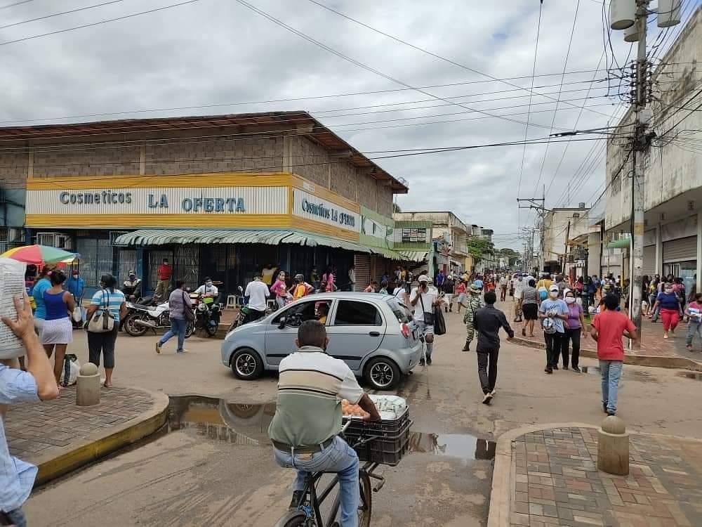 """""""Desde que comenzó la cuarentena no me reúno con familiares"""", comerciante en Calabozo #ComoVivenLaPandemia"""
