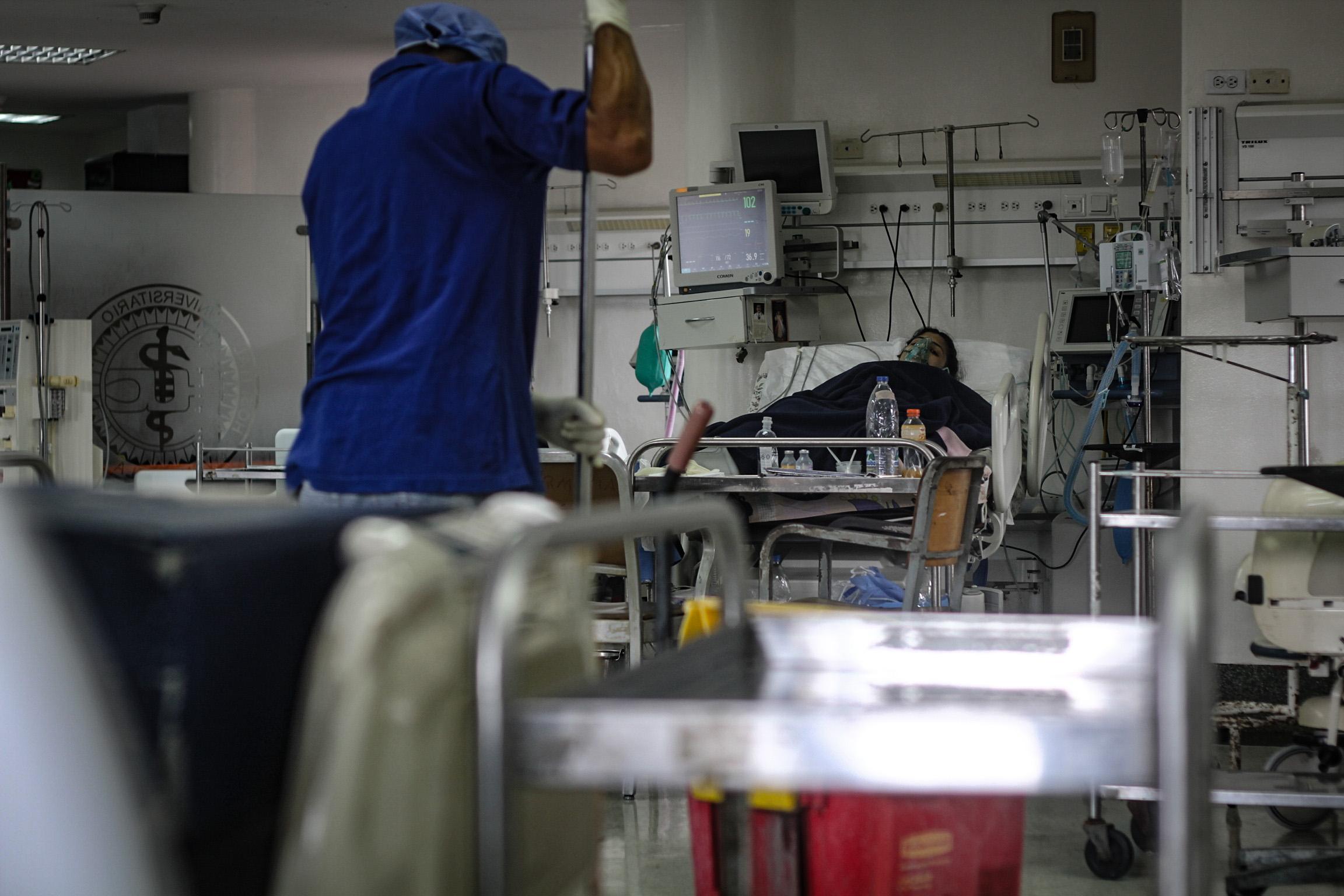 Los intensivistas en Venezuela: pocos y abatidos por el COVID-19 (I)