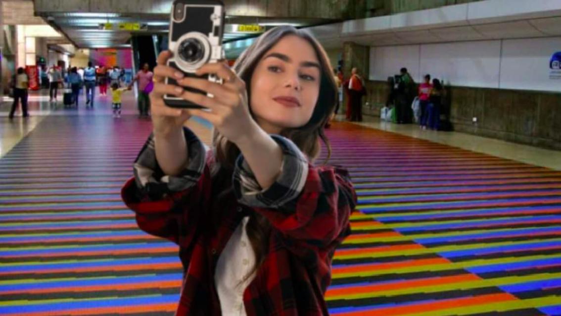 El meme de la semana: Emily en París, made in Venezuela. En el aeropuerto de Maiquetía