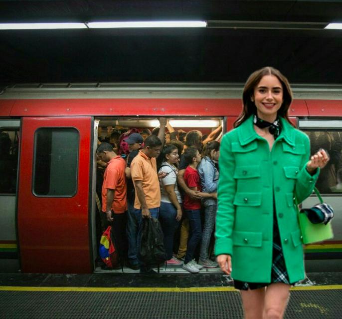 El meme de la semana: Emily en París, made in Venezuela. En el Metro de Caracas