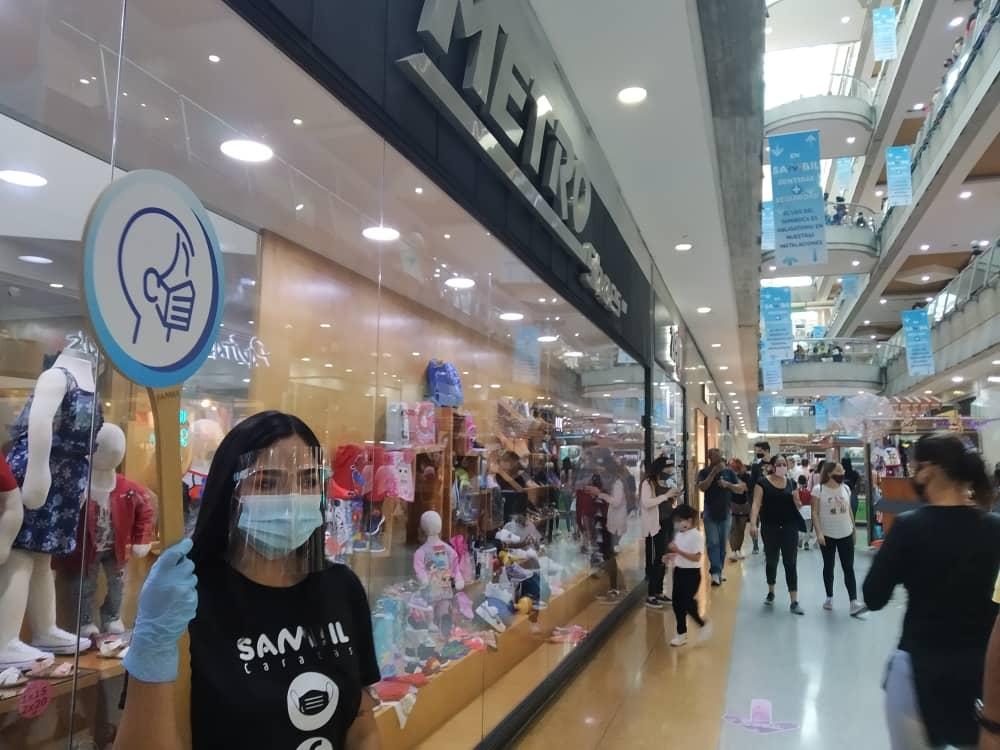 BlackFriday en pandemia: Largas filas para comprar en los centros comerciales este #20Nov