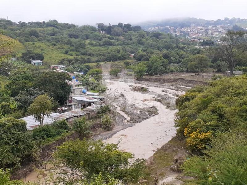 Protección Civil de Táchira registra 300 viviendas afectadas tras desbordamiento de La Zoquera este #11Nov