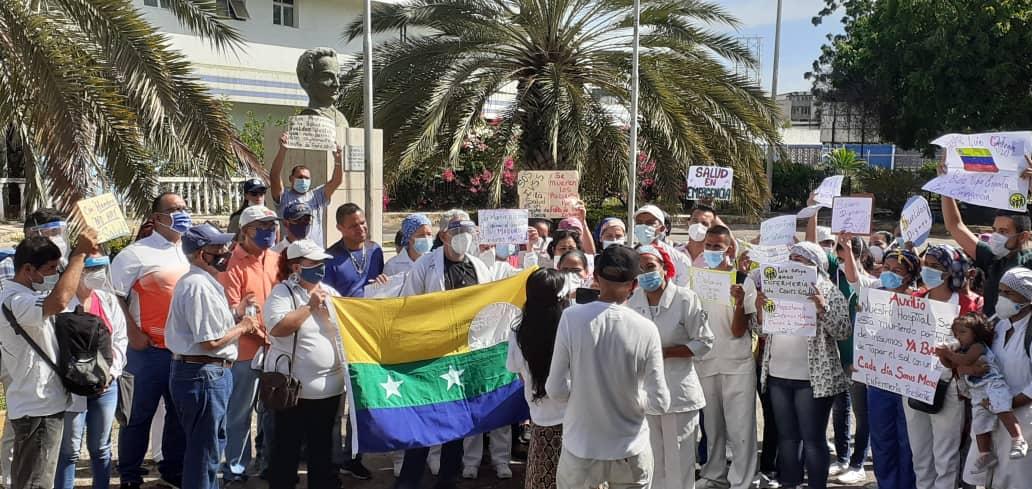 Trabajadores de la salud del hospital Dr Luis Ortega de Porlamar