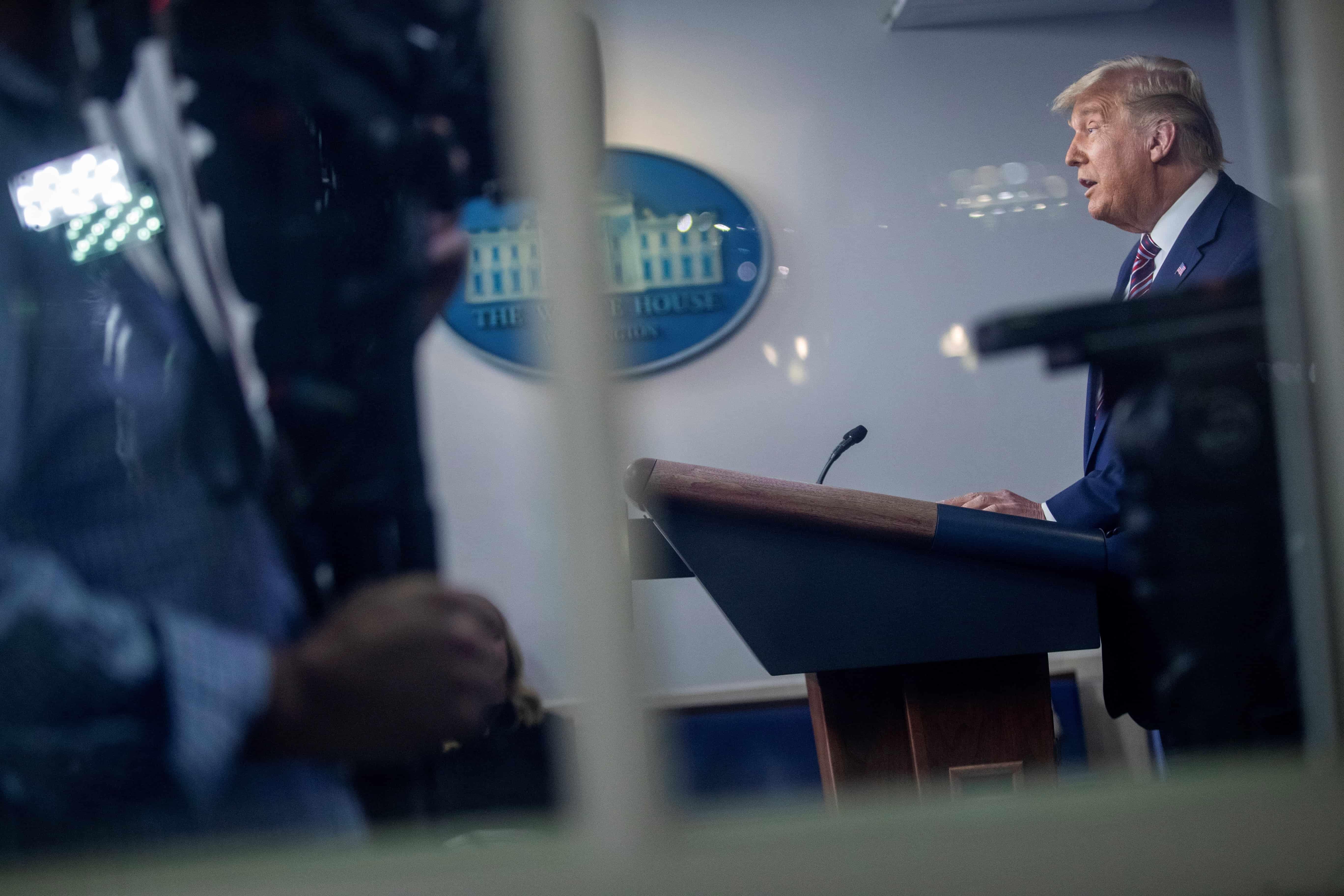 "Trump denuncia la ""corrupta máquina demócrata"" y promete una ofensiva legal"
