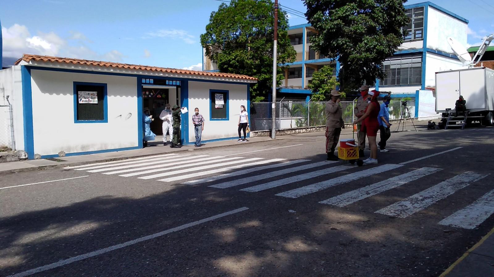 En Táchira los centros de votación lucieron solos este #6D