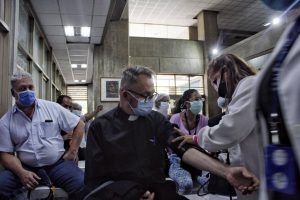 Vacunación con Sputnik V en el Domingo Luciani