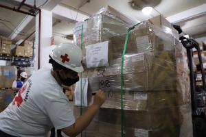 Venezuela recibe 22 toneladas de ayuda de la Cruz Roja para COVID-19