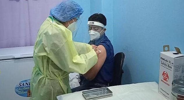 Sputnik V: jefa de enfermería de sala COVID-19 en Monagas la primera en recibir vacuna