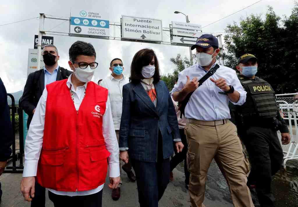 González Laya: Expulsar diplomáticos de Venezuela no ayuda al diálogo