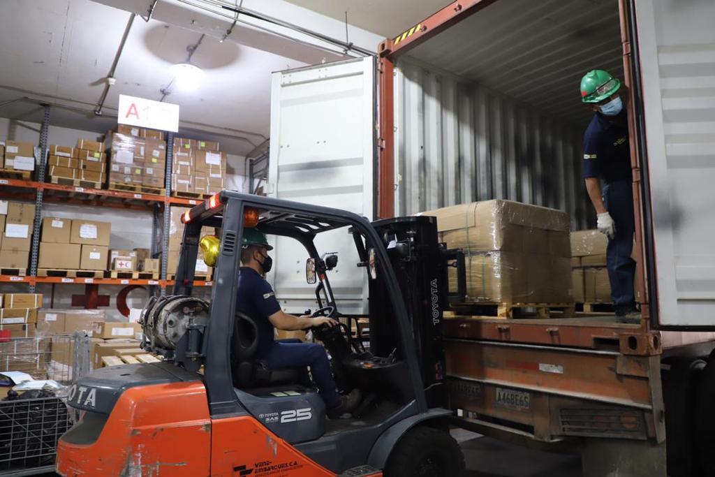 Venezuela recibe otras 30 toneladas de ayuda humanitaria de la Cruz Roja