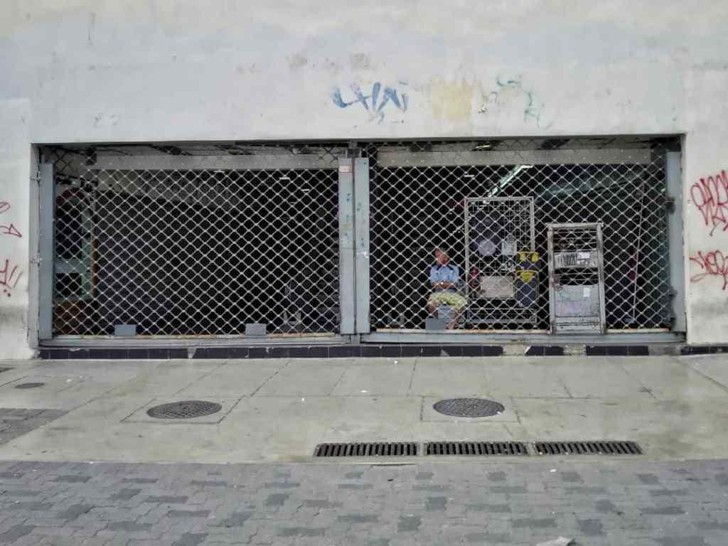 Caraqueños que viven del día a día siguen en las calles pese a la cuarentena