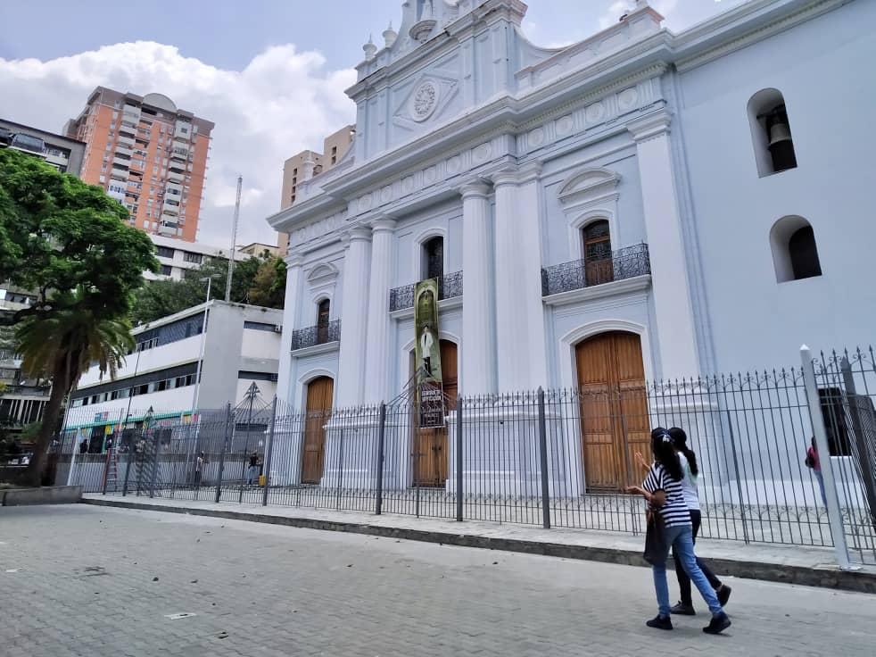 Murales y una estatua de tres metros de alto para rendir tributo al beato José Gregorio Hernández