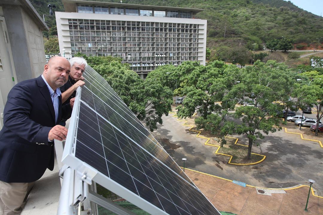 Se inaugura la primera aula abierta de energía sustentable de Venezuela en la UCAB
