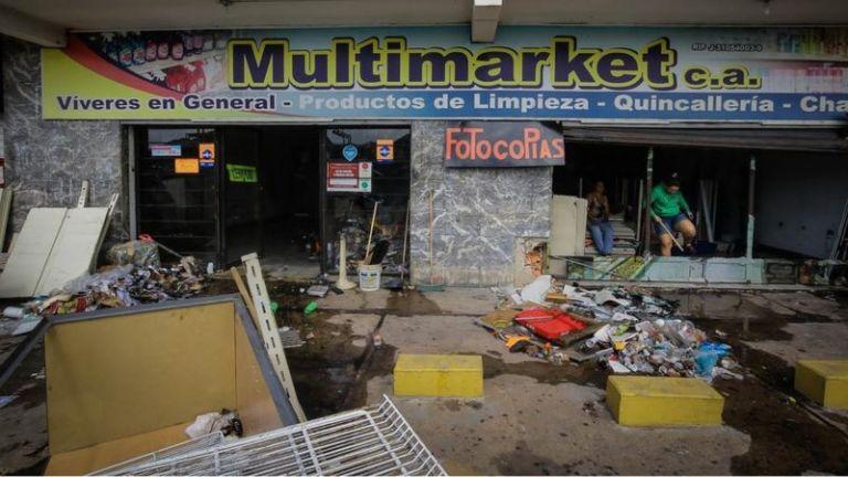 Saqueos en Guasipati y El Callao por rechazo de comercio a recibir billete de Bs. 50.000