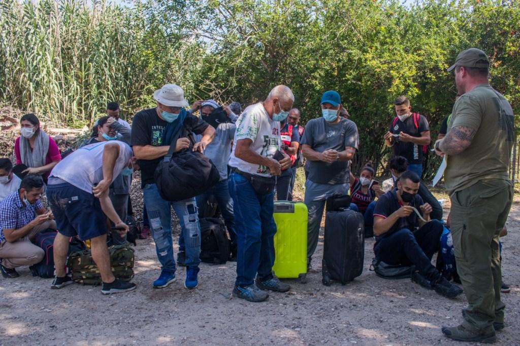 Venezolanos que ingresan a EEUU en la zona Del Río