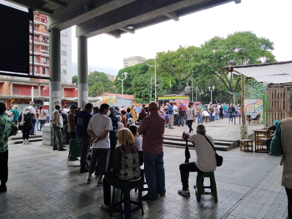 Cada seis días murieron 100 personas por COVID-19 en Venezuela durante mayo