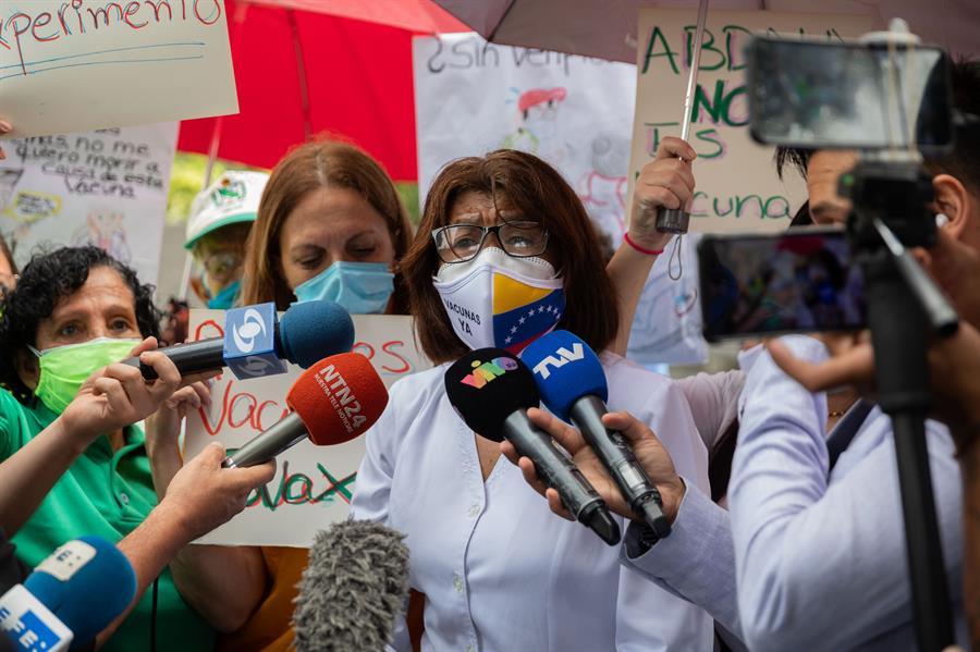 Gremios piden no vacunar a niños venezolanos con Abdala