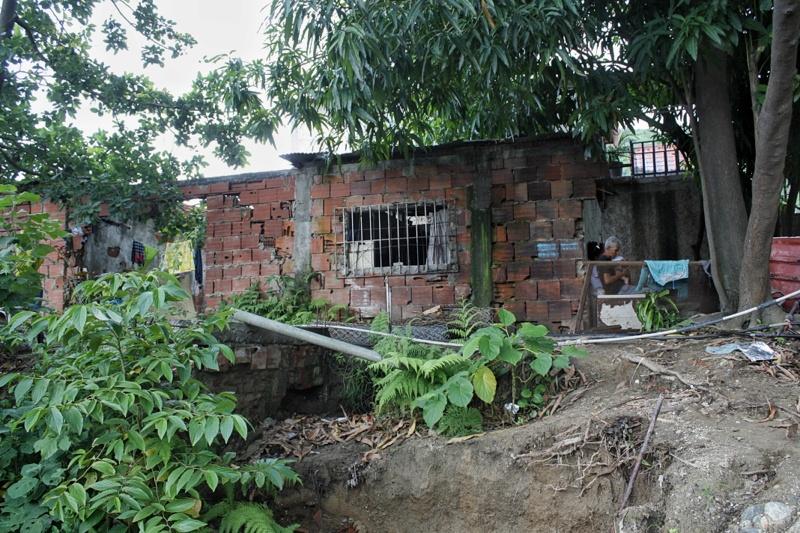 Habitantes de Vargas no bajan la guardia ante las lluvias y crecidas de los ríos