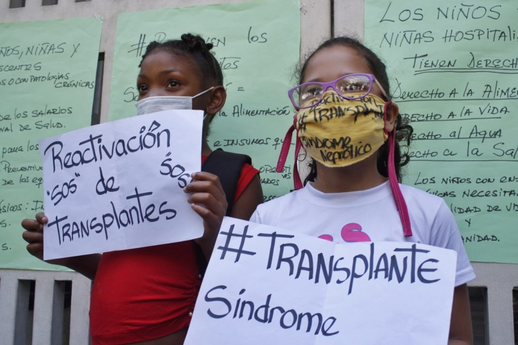 Las familias de los pacientes también se sumaron   Foto: Efecto Cocuyo
